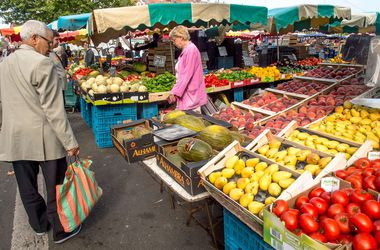 Россия запретила все овощи и фрукты из Украины