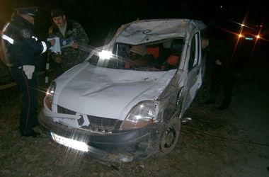Юноши устроили ночные гонки в Хмельницкой области, есть погибшие