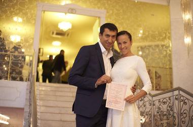 """Чемпионка мира Мельниченко: """"Свадьба была скромной, мои родные - на войне"""""""