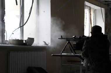 В Донецке - новые разрушения и пожары