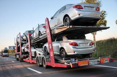 Импорт автомобилей в Украину почти прекратился