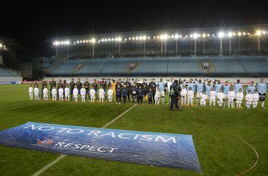 УЕФА может пустить женщин и детей на закрытые для зрителей матчи