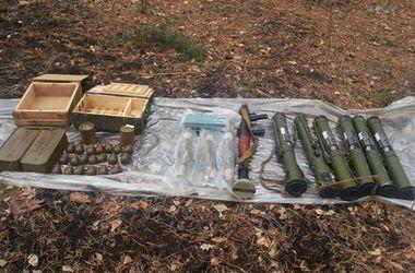 В Луганской области СБУ обнаружила тайник террористов с арсеналом оружия