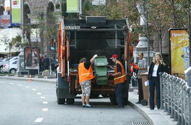 Как заставить коммунальщиков поставить во дворе мусорный контейнер