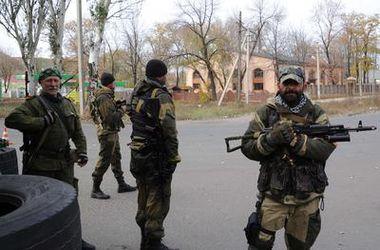 Боевики расстреливают жителей Донбасса, осмелившихся выйти на митинг - СНБО