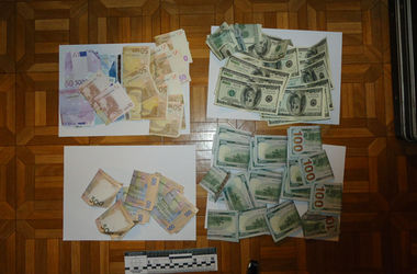 В Днепропетровске задержали банду, похитившую 3,6 млн грн