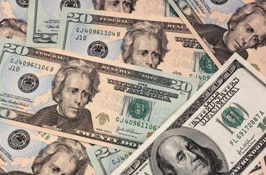 В Украине существует два параллельных курса доллара США – эксперт