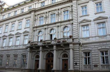 В здании Львовской ОГА искали взрывное устройство