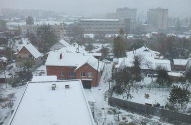 Винницу засыпает снегом