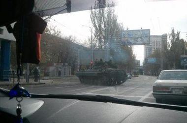 Боевики тяжелой техникой перекрывают дорогу к донецкому аэропорту – СНБО