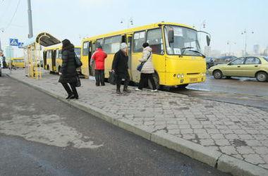 Киевский автобус №115 будет возить пассажиров к Певческому полю
