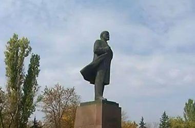 В Днепропетровской области пал очередной Ленин