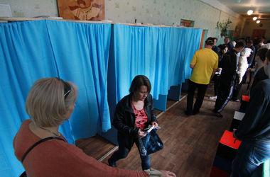 За сутки до выборов ЦИК изменила 17 членов окружных комиссий в Донецкой области - КИУ