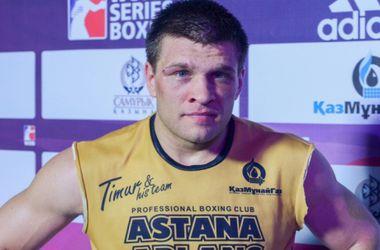 Украинский боксер подписал контракт с менеджером Мейвезера