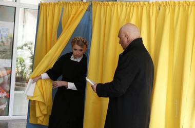 Тимошенко с родными проголосовали в Днепропетровске