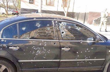 В Кривом роге у избирательного участка расстреляли иномарку