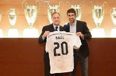 """Рауль получил футболку и часы в честь 20-й годовщины дебюта за """"Реал"""""""
