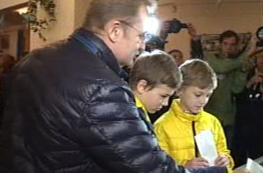 Как голосовали мэр Львова Андрей Садовий и его супруга