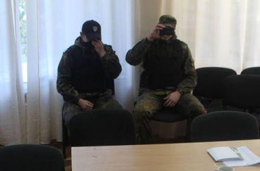 """В Днепропетровске на избирательный участок пришли """"зеленые человечки"""""""
