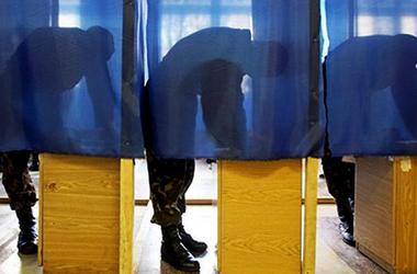 Милиционеры и нацгвардейцы по графику голосуют на выборах в Раду - МВД