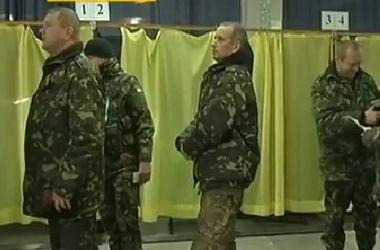 Бойцы в зоне АТО смогли проголосовать лишь в базовых лагерях и в тылу