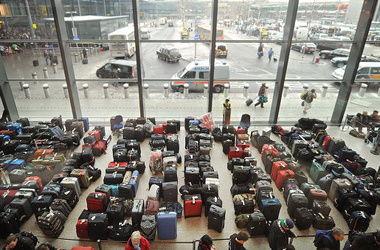 Коллапс в Хитроу: пассажиры улетают без багажа