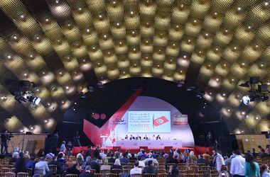 """В Тунисе завершились первые после """"жасминовой революции"""" выборы в парламент"""