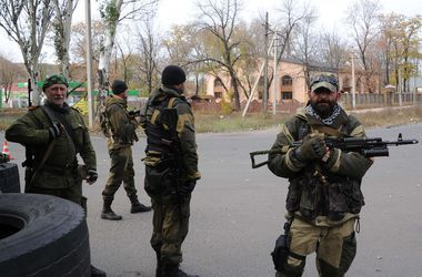 Где идут бои в Донбассе: за сутки боевики 20 раз обстреляли позиции сил АТО