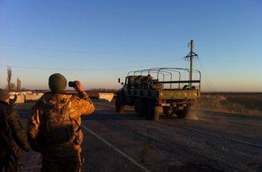 """Из """"32-го блокпоста"""" вывезли тела погибших, боевики объявили ультиматум до полуночи"""