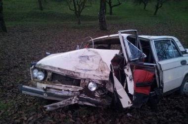 ДТП на Закарпатье: после двойного столкновения водитель погиб, а двое пассажиров - на больничной койке