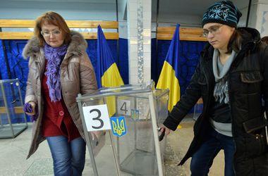 В ЦИК поступил первый протокол c мокрыми печатями из Донбасса