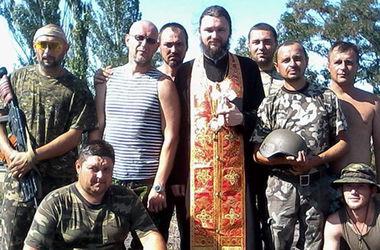 """Архиепископ, который помогает украинским военным: """"Сегодня мало сидеть в келье и молиться"""""""