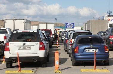 Керченская переправа, где скопилось 1800 авто, заработала в ограниченном режиме