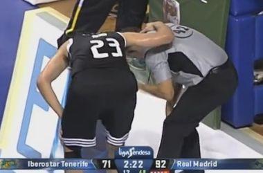 Баскетболист мячом отправил судью в нокаут