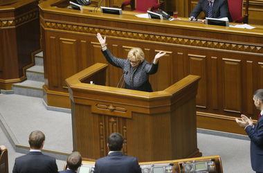 """Дамы в политике: Активнее всего в депутаты """"рвались"""" женщины Луганской области"""