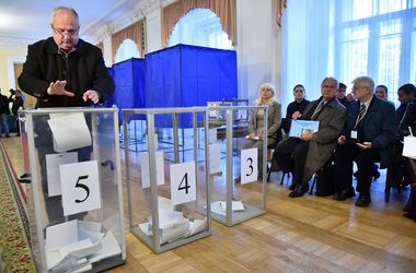 В ЦИК обнаружили фальсификации уже в двух округах — Охендовский