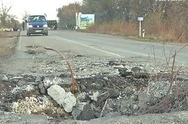 Террористы продолжают уничтожать города Луганской области
