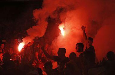 УЕФА наказал сборные Румынии и Венгрии за поведение фанатов