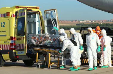 Состояние врача из США, заразившегося в Западной Африке вирусом Эбола, улучшилось