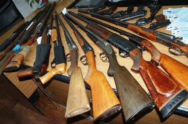 В МВД отчитались, сколько оружия сдали украинцы