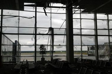 """""""Киборги"""" в донецком аэропорту не сдаются: отбито 4 атаки террористов"""