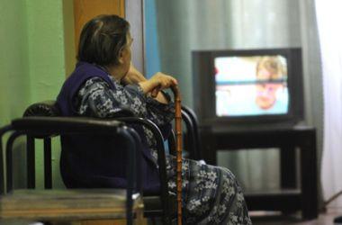 Эксперт рассказал, кому выгодно сокращение числа телеканалов в соцпакете