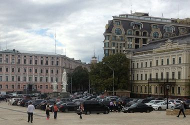 Депутатов Киеврады предлагают пересадить на электрокары