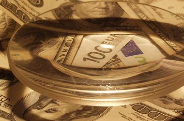 Курс доллара в обменниках вырос почти на 30 копеек