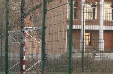Гибель детей возле школы в Донецке: все подробности ...: http://www.segodnya.ua/regions/donetsk/VSe-podrobnosti-gibeli-shkolniko-v-Donecke-.html
