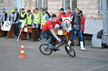 Как киевские студенты соревновались в умении водить