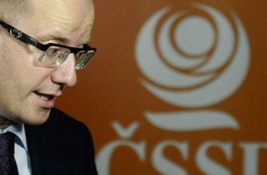 Премьер Чехии предупреждает о риске возникновения замороженного конфликта в Донбассе