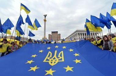 Украинцев, желающих вступить в ЕС и НАТО, стало больше – опрос