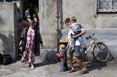 """Пенсионерка из Донбасса: """"Нам оставили выбор – либо умирать побыстрее, либо идти на паперть"""""""