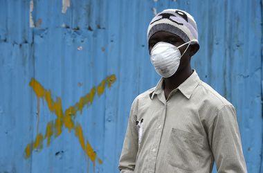 0_main Число больных лихорадкой Эбола перевалило за 13 тысяч